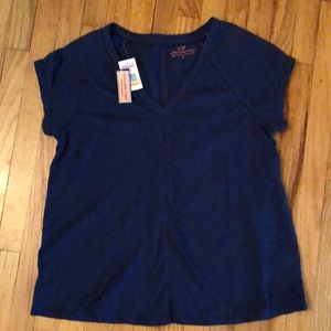 NWT - SALE SLASHED 50%  Vineyard Vines Women's Top